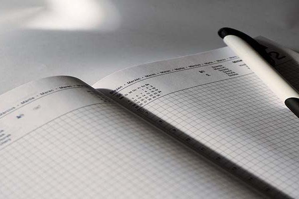 calendar grid-1